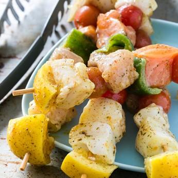 Brochettes au saumon et cabillaud, marinade provençale