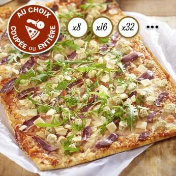 Pizza périgourdine coupée en 16