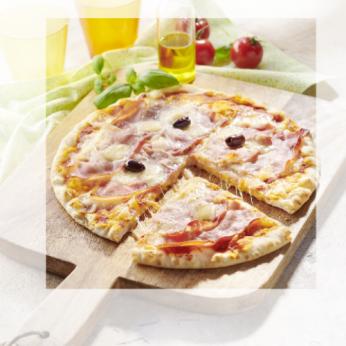 Pizza speck mozzarella