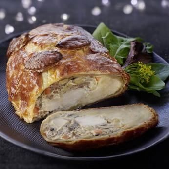 Volaille en croûte aux marrons et bloc de foie gras de canard