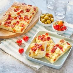 Focaccia tomates cerise, oignons - 30 toasts