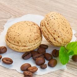 2 gros macarons café