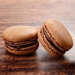 2 gros macarons chocolat