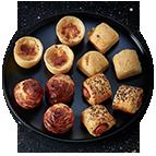 Plateau de 48 canapés réception : minis quiches, saucisses costumées, cake au jambon, gougères au fromage (670g)