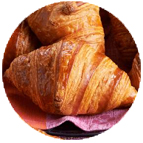 Minis croissants chorizo