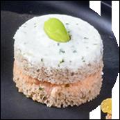 Canapés façon sandwiches au pain seigle, rillettes aux deux saumons et fleur de sel, fromage frais citron coriandre, gingembre et fèves d'édamame